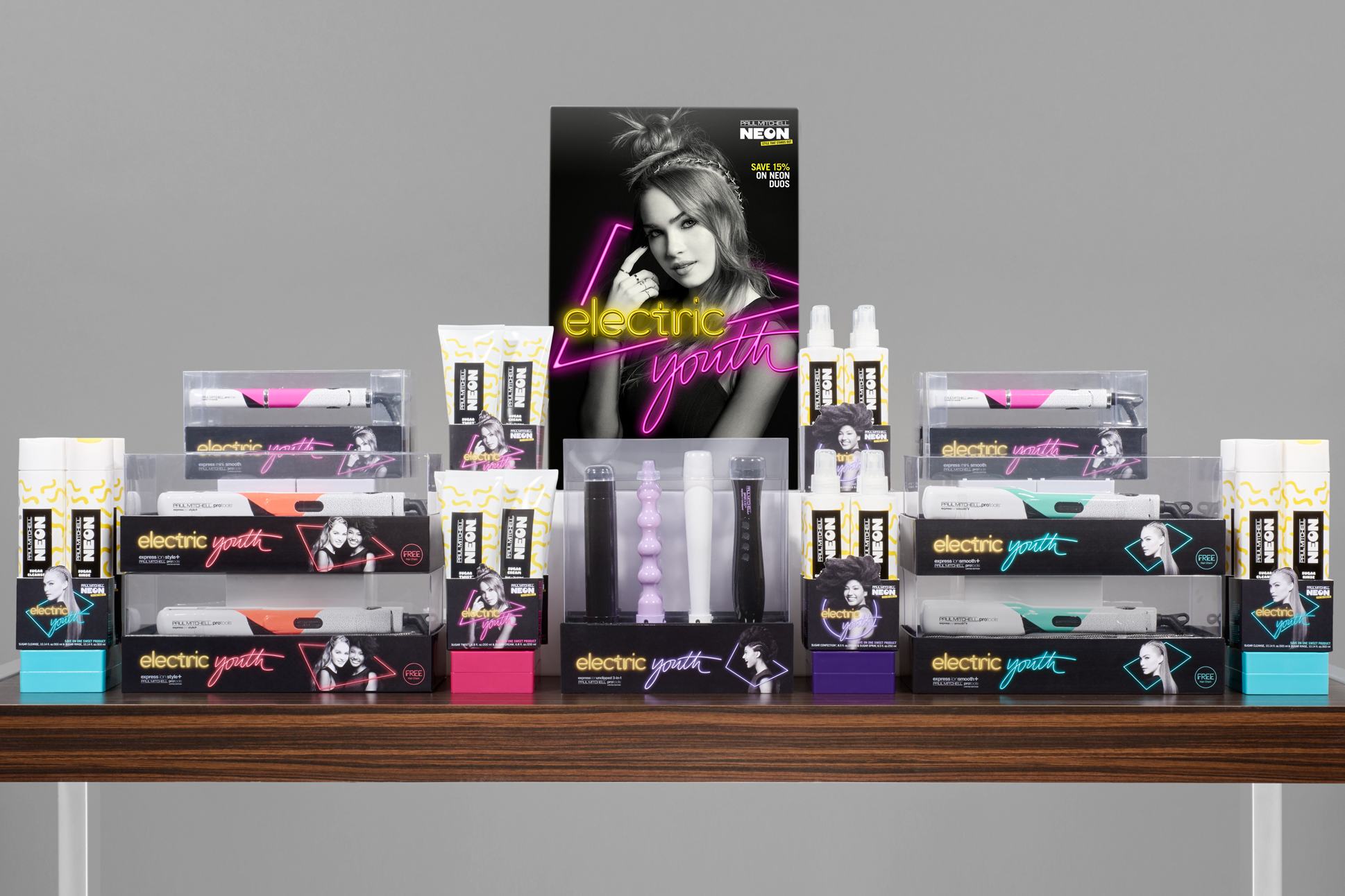 paul-mitchell-How to Make a Big Night Out Stand Out-Special-Display